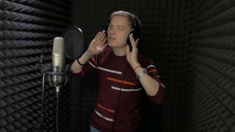 Влад Белик в студии звукозаписи STUDIO MASTER
