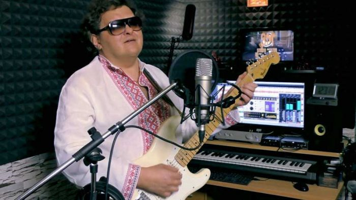 Александр Войтко в студии звукозаписи STUDIO MASTER